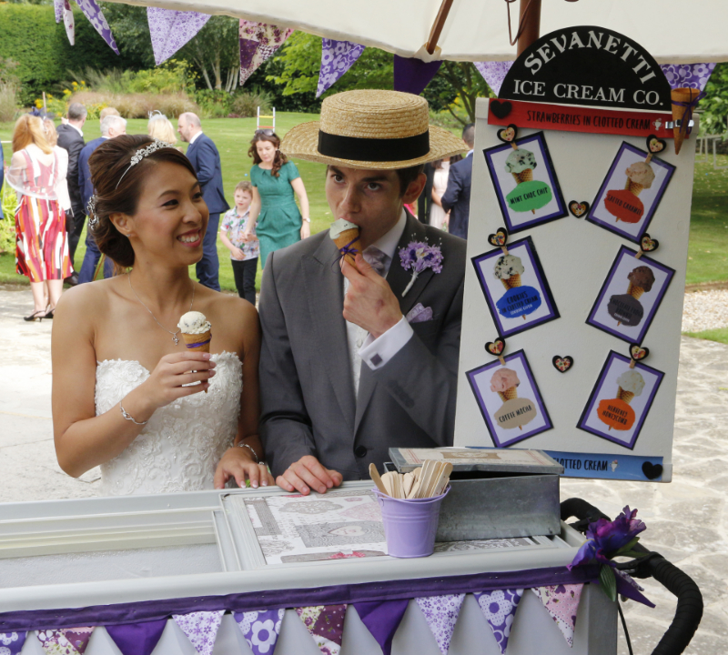 alt=wedding ice cream bike